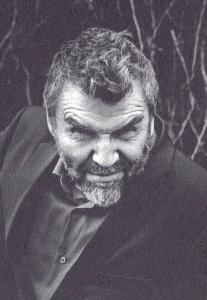 Kauko Röyhkä (s. 1959) on tuottelias ja monipuolinen rockmuusikko ja kirjailija.